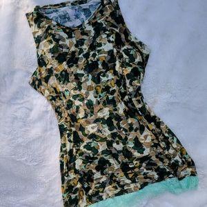 LOGO camo style lace border laying tank